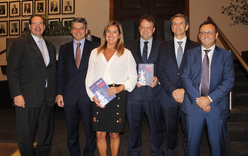 Ministros, magistrados e professores lançam livro sobre Direito Civil